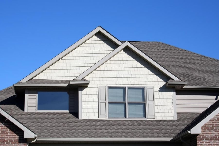 How Certified Roofing Contractors in Downriver Michigan Can Help Your ROI