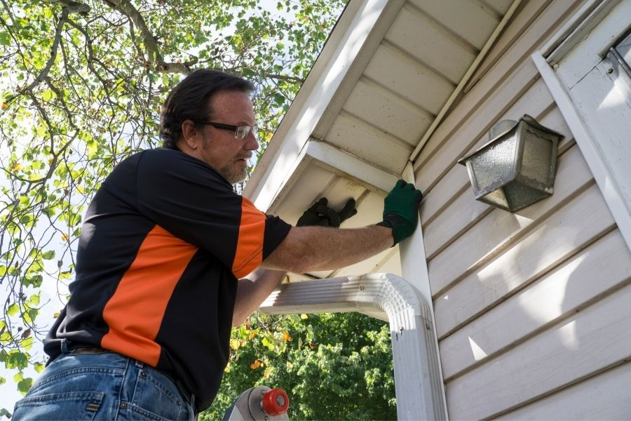 Here's What You Need To Ask Your Vinyl Siding Contractor in Plymouth Michigan