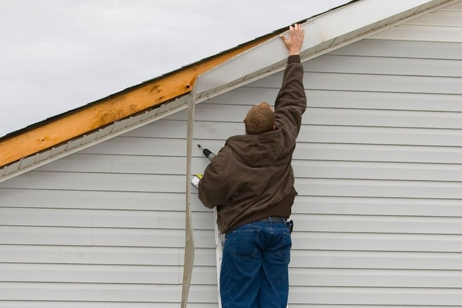 Damages to your Vinyl Siding in Downriver Michigan That Could Be Done By Storms