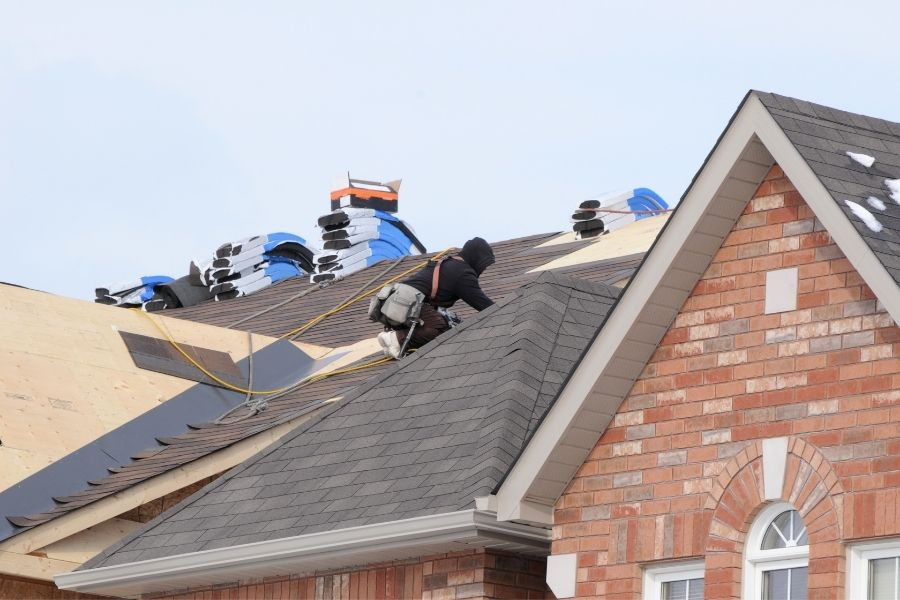 How to Choose the Best Roofing Contractor in Downriver Michigan